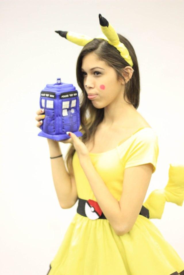 Lolita Pikachu Cosplay