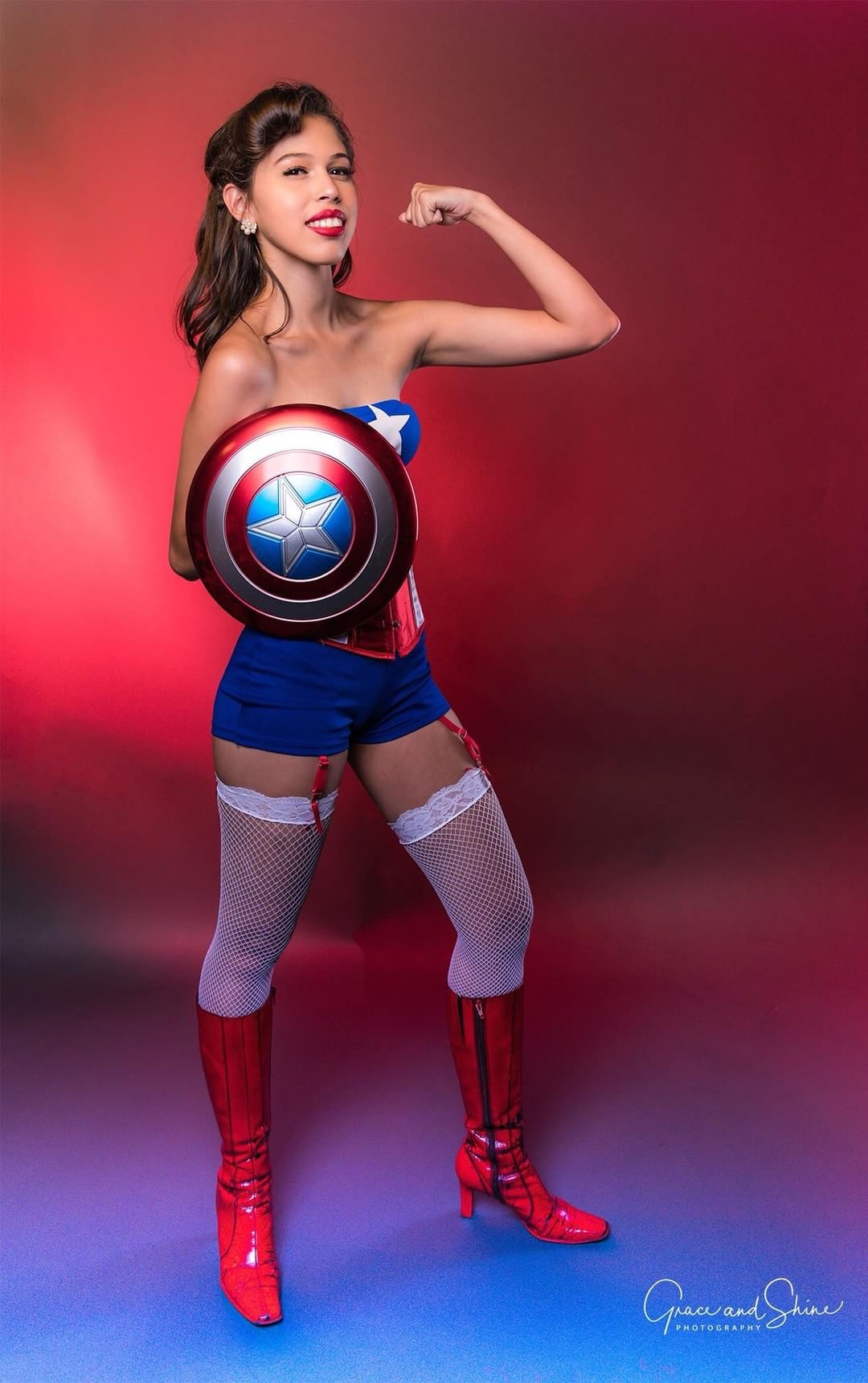 Gender bend Pinup Captain America Cosplay